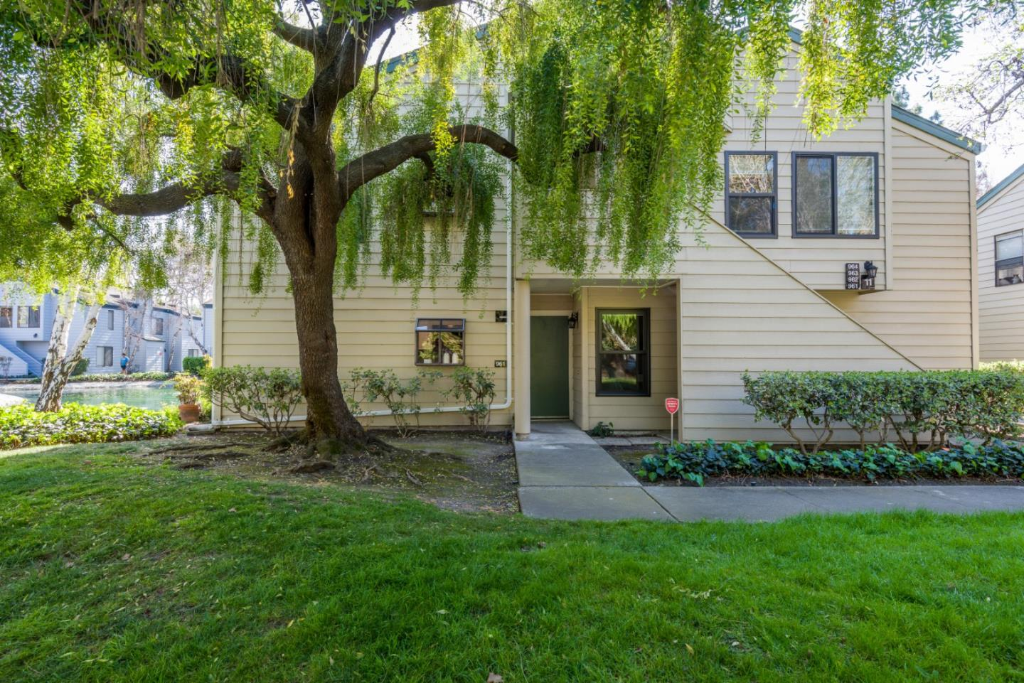 W Middlefield Rd, Mountain View, CA 94043
